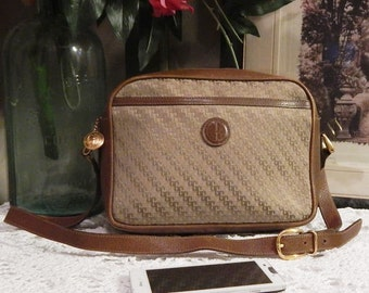 Gorgeous Authentic Vintage GUCCI--Signature GG Monogram ---Made in Italy