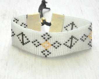 Boho Beaded Bracelet - Hippie Bracelet - Beaded Bracelet - Southwestern Bracelet - Geometric Bracelet - Beaded Jewelry - Chic Bracelet