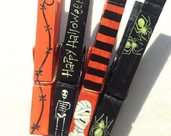 PAINTED HALLOWEEN CLOTHESPIN magnet skeleton mummy spiders barbed wire orange and black