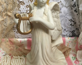 Musical Angel~plays Hark The Herald Angels Sing~Fugurine~Heavy Solid Piece