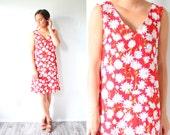 Vintage red floral mini summer dress // daisy floral picnic dress // picnic floral dress // summer dress // summer jumper dress small