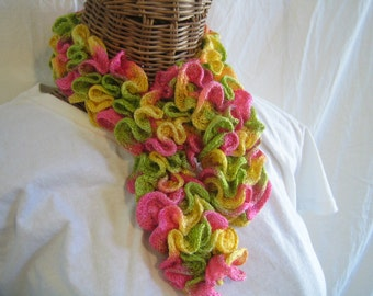 Toddlers Little girls kids knitted ruffle scarf Pink Yellow Green frilly scarf childrens ruffle scarf
