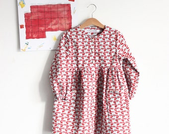 Italian preschool kindergarten everyday girl smock, 100% cotton. Sizes from 3 to 6 years. Made to order.