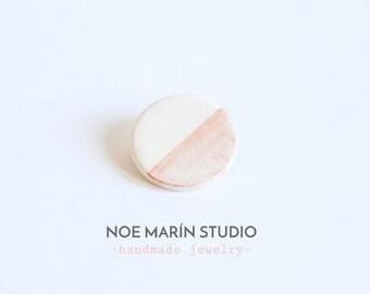 Ceramic brooch Modern jewelry ceramic, Minimalist ceramic brooch, Ceramics  pottery, Ceramics & pottery, Geometric ceramic jewelry, Noemarin