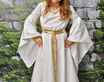 My Middle Earth: Éowyn's White Dress - Sizes 2T, 3T, 4T, 5, 6, 7, 8 or 10