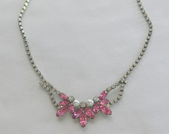 pink rhinestone necklace and post earrings