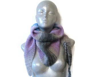 Knitted Scarf Bactus Triangle Shaped Pink Grey Blue Soft Acryl Wool