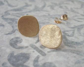 14k Solid gold stud earrings , Asymmetric hammered square studs , 14k Solid gold post earrings , Handmade by Adi Yesod