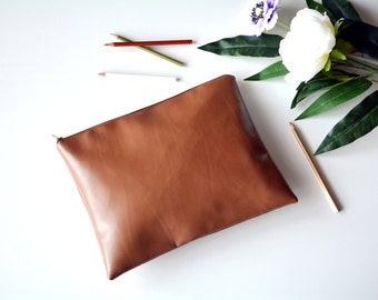 Brown leather clutch, brown clutch, vegan leather clutch, clutch purse,brown bag, faux leather clutch, vegan leather bag