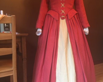 Elizabethan Gown in Linen - Medium - Ready to Wear
