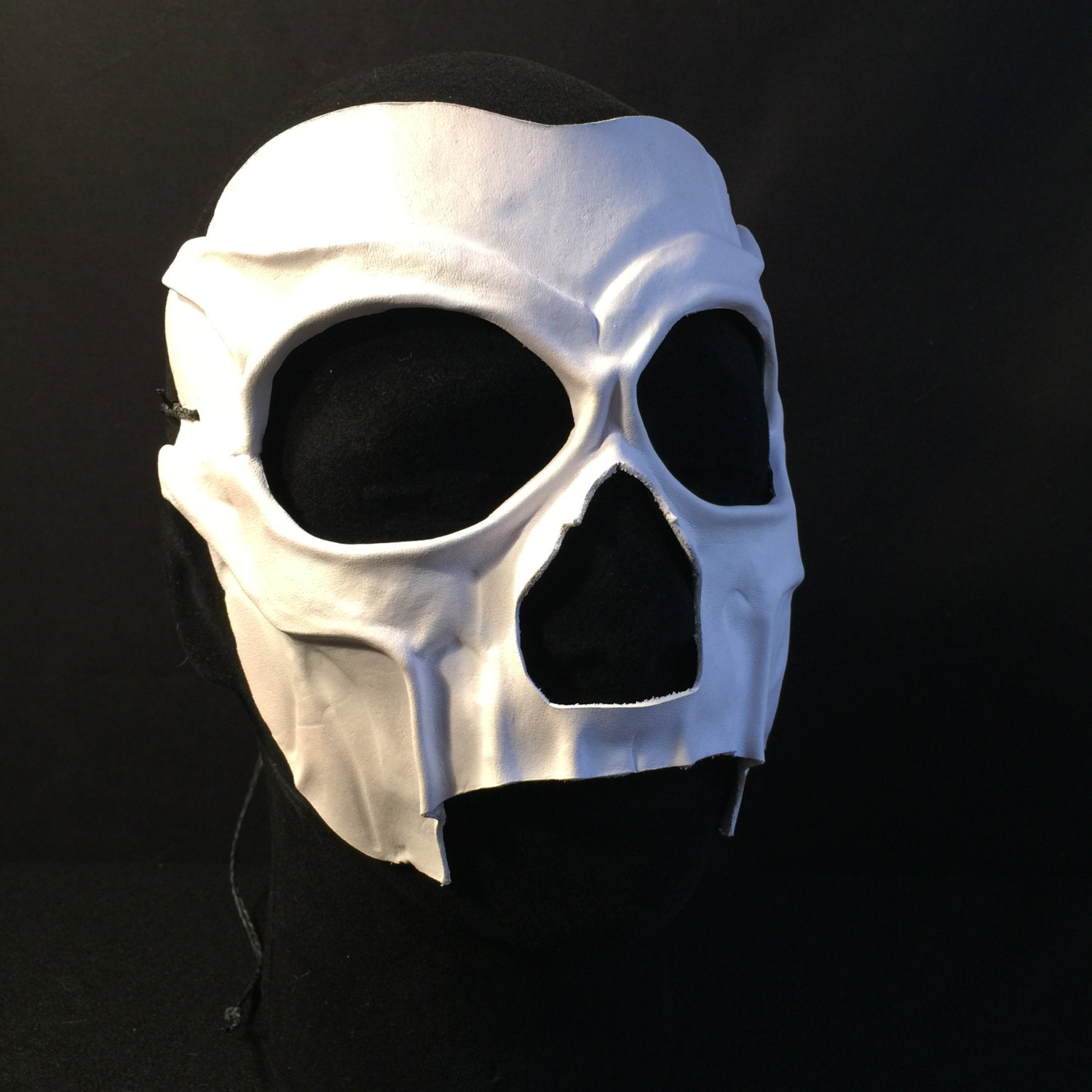 how to create a white mask