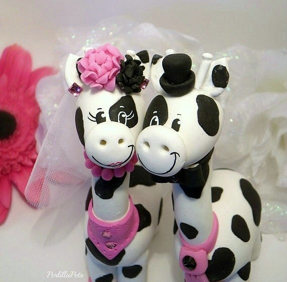 Custom giraffe wedding cake topper, bride and groom animal cake topper, black and white wedding, personalized figurines with banner
