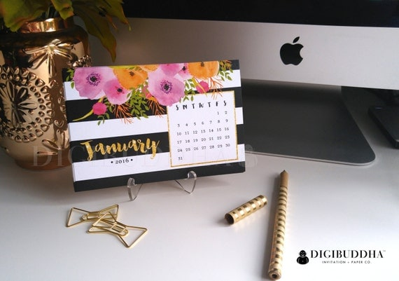 Pretty desk calendar