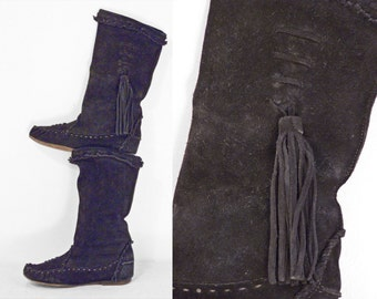Black Moccasin BOOTS 1970s Suede Fringed Tassel Tribal Size 6 to 7