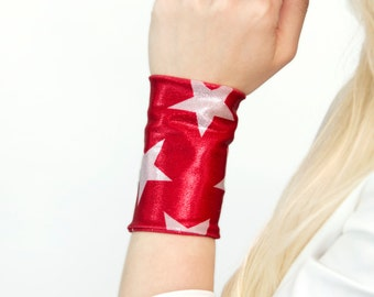 Star Wrist Cuff Bracelet, American Flag Patriotic Bands Stretch, Red Wide Arm Wristband, USA Fabric Tattoo Cover Up Covers, Sparkle