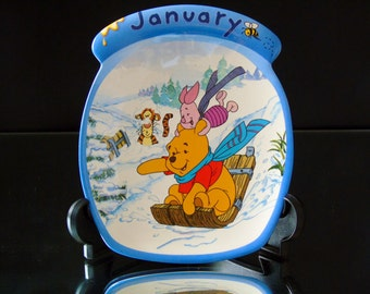 Winnie The Pooh The Whole Year Through January Decorative Nursery Wall Plate Bradford Exchange First Issue , Limited Edition