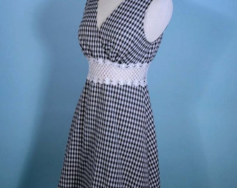 Vintage 90s Black White Gingham + Lace Mini Dress, Sheer Waist, Sleeveless V Neckline Minimalist Mini, Hipster Grunge Back to School S