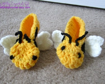 Crocheted Bumble Bee Baby Booties / Slippers - Amigurumi