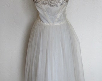 Cinderellla 1940's 50's Beased Ivory Tulle Full Skirt Cupcake Prom - Party - formal Dress S