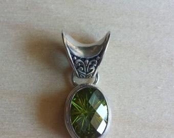 Sterling Silver Pendant, green pendant, peridot, natural stone pendant, green peridot, Vintage  Sterling Silver Oval Green Peridot Pendant