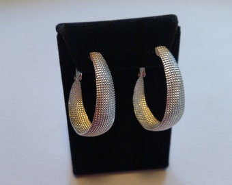 Women's Oval Hoop Earrings Rasied Design Sterling Silver