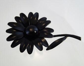 FREE Shipping Vintage Black Daisy Brooch Flower Power Pin