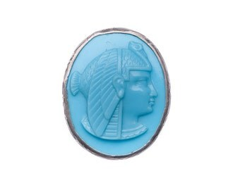 Egyptian Nekhbet Blue Pâte de Verre Art Nouveau Art Deco Sterling Cameo Brooch
