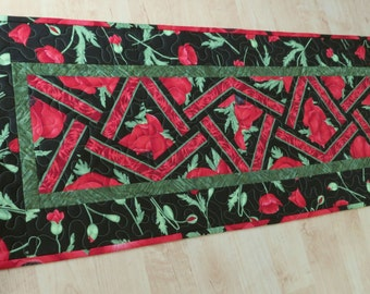 Quilted Table Runner Red Poppy Flora 588