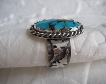 Stunning turquoise ring size 8 with oak leaves