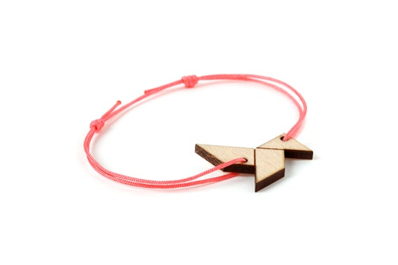 Origami bird bracelet - 25 colors - paper bird bangle - adjustable length - lasercut maple wood - minimalist jewelry - unisex - customizable