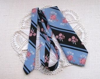 Vintage Floral Necktie . 1970s Mens Fashion Accessory . 70s Wide Polyester Tie . Santavelli Wembley Necktie - for blue, black, or grey suit