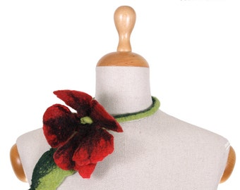 SALE!!!   felt, felted poppy flower, necklace, floral art jewerly, felted collar by inmano