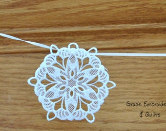Lace Christmas Banner/Garland (Snowflakes)