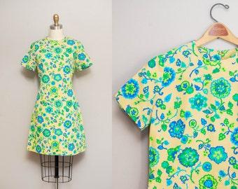 Vintage 1960s MOD Floral Mini Shift Dress / Short Sleeve 60s Cotton Jumper