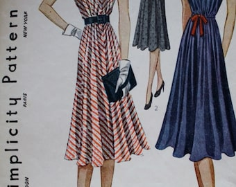 1930s Dress Pattern /Simplicity 3018 Vintage Sewing Pattern / Bust 36 /MISSING SLEEVE STIFFENING Piece