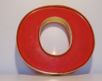 The Letter O Vintage Marquee Red and Gold Plastic Sign Letter O 8 Inch Home Decor Wall Hanging Desktop