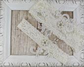 Wedding Garter, Customizable Lace Wedding Garter Set , Ivory Lace Garter Set, Toss Garter , Bridesmaid Gift, Prom, Wedding Gift, Pearls