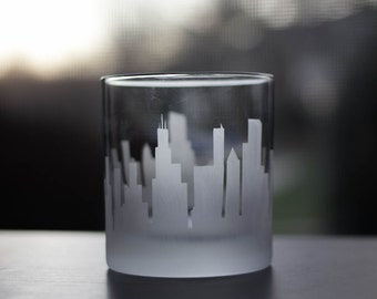 Etched Chicago, Illinois City Skyline Silhouette Outline Whiskey Rocks Glasses