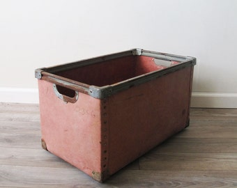 Vintage Pink Mail Container