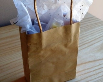Gift Set of TRULY Natural Skincare - Face Cream, Foundation And Blush Samples, Lip Balm