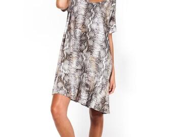 Short dress / daily dress / oversize dress / snake print dress / peplum dress