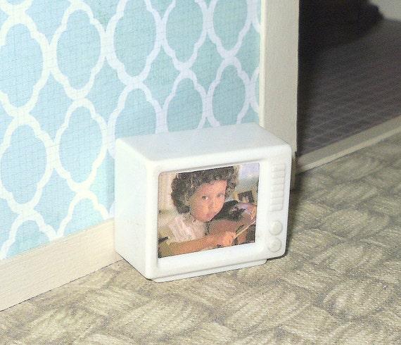 Dollhouse Miniatures Tv: Miniature Dollhouse Vintage Plastic Television Set