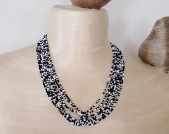 black and white necklace,seed bead necklace, black necklace, white necklace,bridesmaid necklace,beaded necklace, seed bead necklace,gift