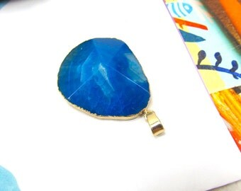Blue Quartz Agate Pendant, Faceted Teal Crystal Pendant, Gold Electroplate Crystal, Electroplated Quartz Agate, Blue Transparent Pendant
