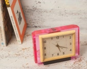 Fuchsia pink vintage desk clock  Molniya Lightning mechanical retro clock fuchsia home decor working clock