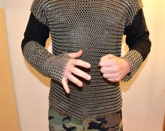 Handmade heavy stainless steel chainmail armor shirt with gauntlet and wrist piece - Cosplay, LOTR, Renaissance