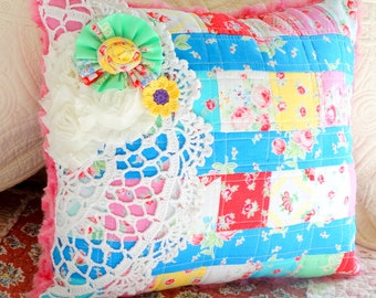 SALE! Quilted Patchwork Pillow, Decorative,Throw Pillow, Vintage, Gifts, Free USA Shipping