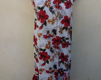 Vintage hawaiin Dress Floral Pattern Ruched Hem Size XL