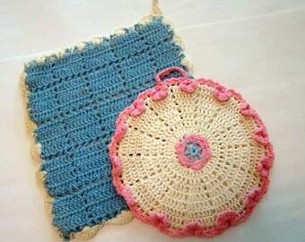 VIntage potholders, crocheted pot holders, mid century crocheted potholders, set of 2