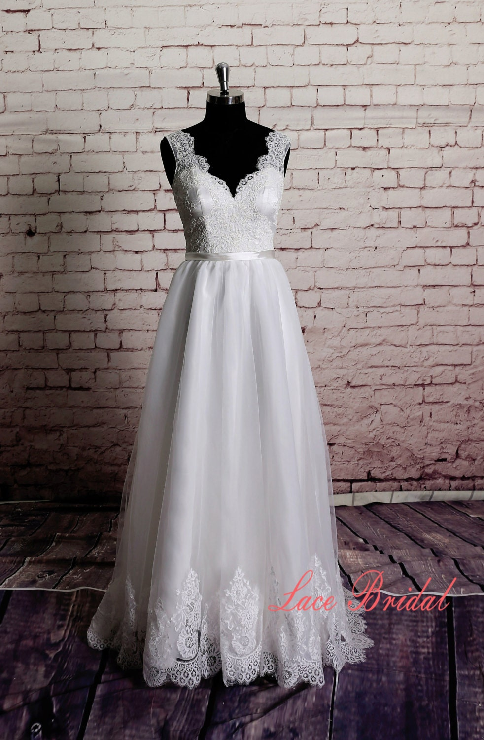 Gorgeous Lace Wedding Dress Sheer Lace Neckline With